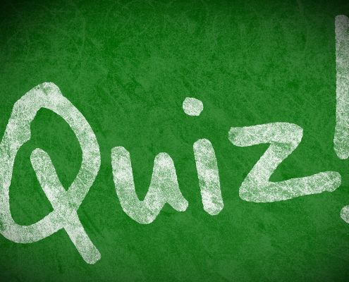 Foto: Tafel auf der Quiz steht